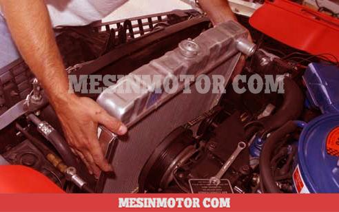 11-cara-membersihkan-radiator-mobil